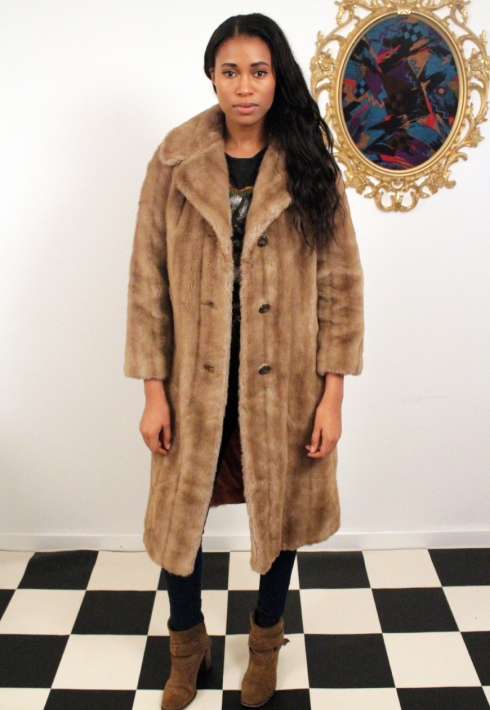 LONG FAUX FUR COAT FRONT
